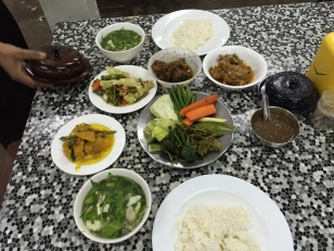 typical Burmese dinner