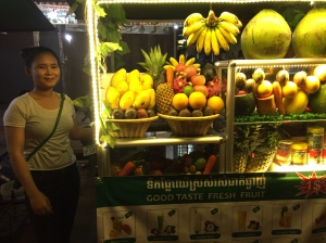 fresh fruit juice stands on Pu Street